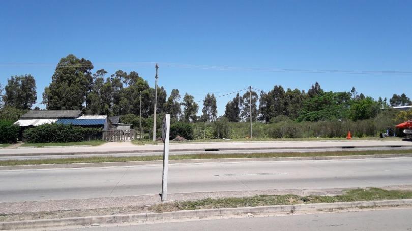 sobre perimetral, ruta 102, a metros josé belloni y próximo av. instrucciones