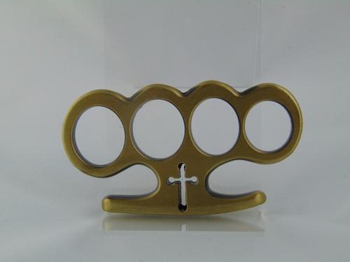 soco inglês em aço, com com desenho de cruz no meio dourado