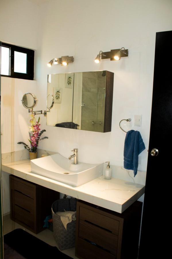 sodzil norte casa con acabados de lujo 3 recamaras, 3 baños, se dejan aires, ventiladores y varias cosas mas
