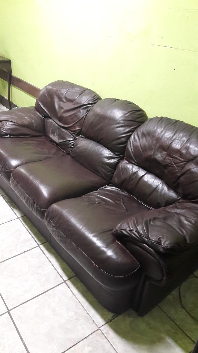 Sofá 3 Lugares Em Couro Legítimo - R$ 900,00 em Mercado Livre