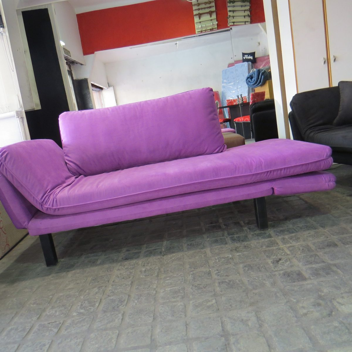 Sofa cama convertible perfect encontrar ms camas de hotel for Cama convertible ikea