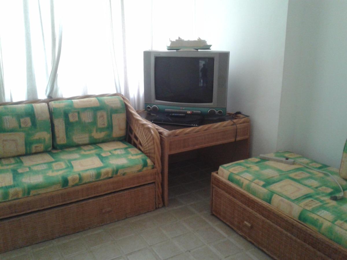 Sofa Cama De Ratan Con Mesa Bs 80000000 en Mercado Libre