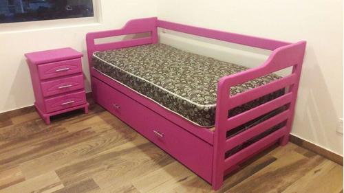 sofá cama en rosa :)