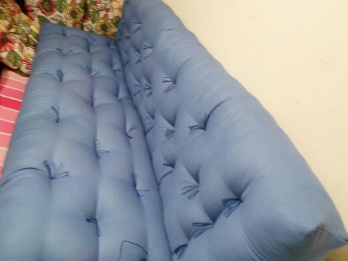 sofá-cama futon  para pallets, dobrável/assento e encosto.