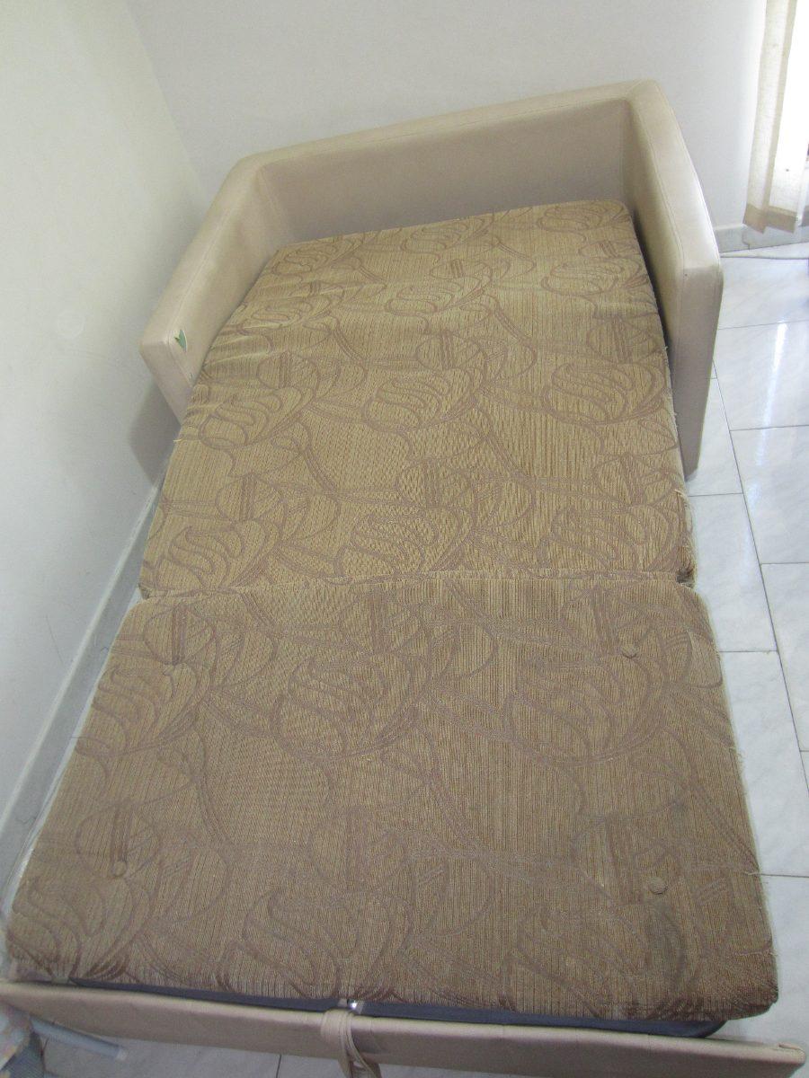 Sofa cama matrimonial en buenas condiciones bs for Cuanto sale un sofa cama