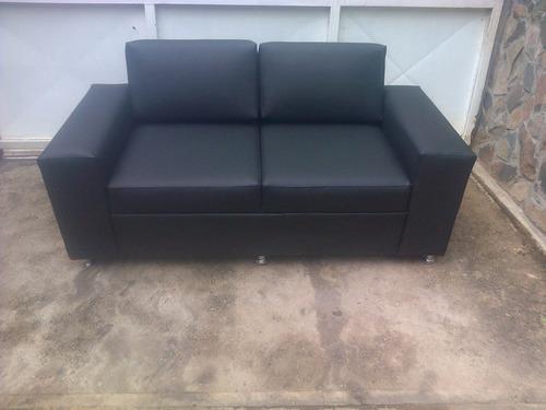 sofa de  2 puesto  muebles e inmuebles ediomar y mas