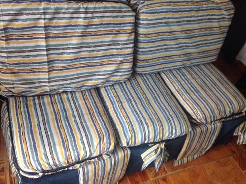 sofá de 3 lugares, decorativo e artesanal