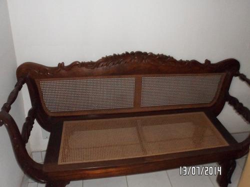sofá de jacarandá da bahia com assento e encosto em palhinha
