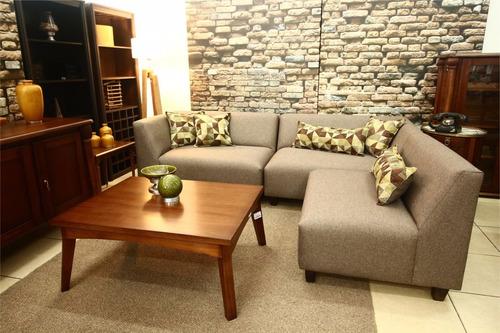 sofá esquinero de 240 por 180 cm. en tres módulos
