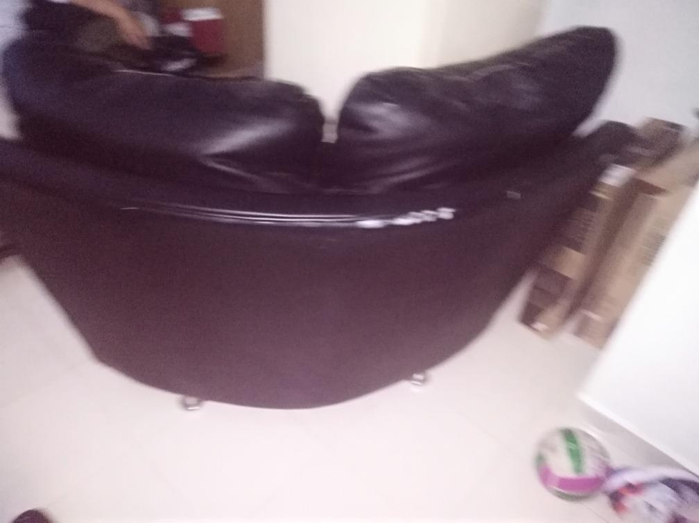 sofá esquinero negro blanco semi usado .