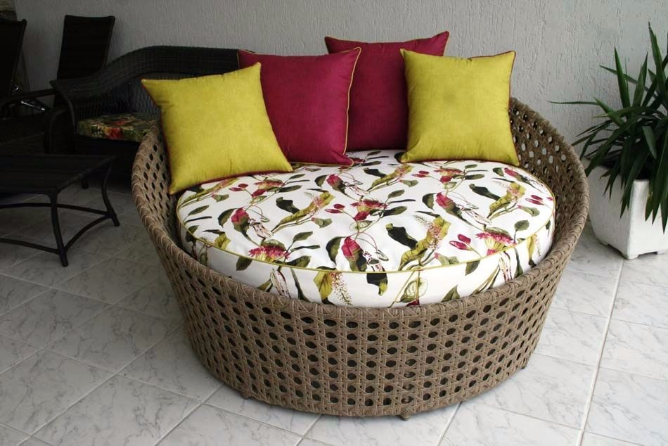 Sofa redondo trama indiana em fibra para decora o sala for Sofa exterior redondo