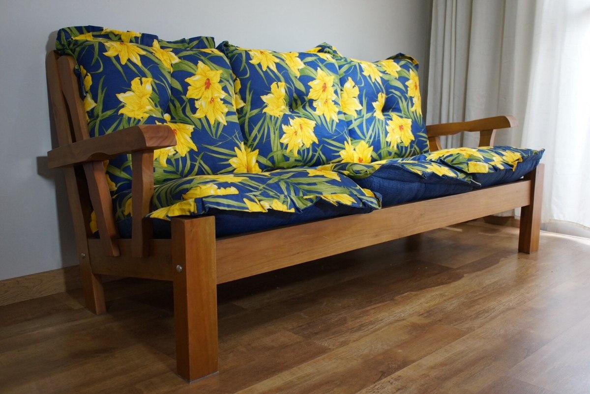 sof rustico de madeira