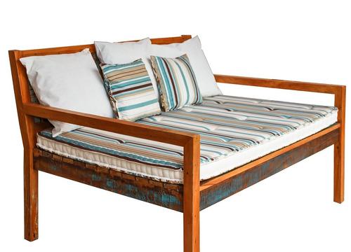 sofá surubão banco em madeira de demolição maciça com futons