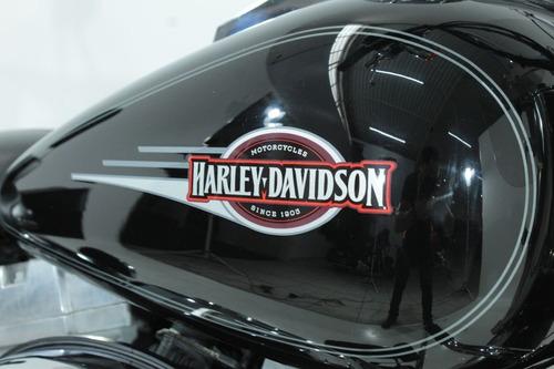 softail custom harley-davidson