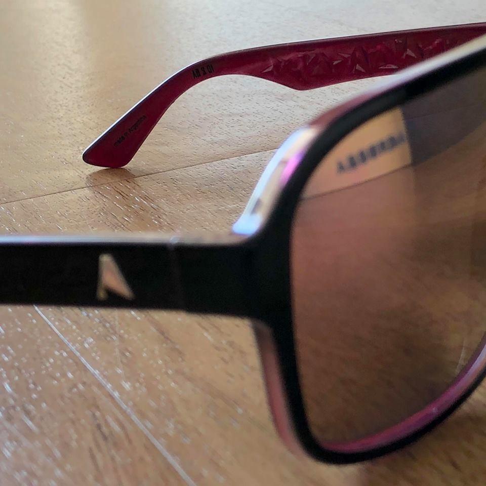 Óculos De Sol Absurda Calixto (original - Última Peça) - R  75,00 em ... e0bcaea204