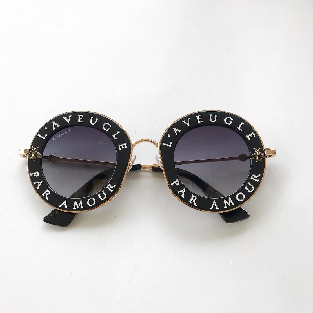 d190e4221b89e Óculos De Sol Gucci L Aveugle Redondo Round Feminino - R  570,00 em Mercado  Livre