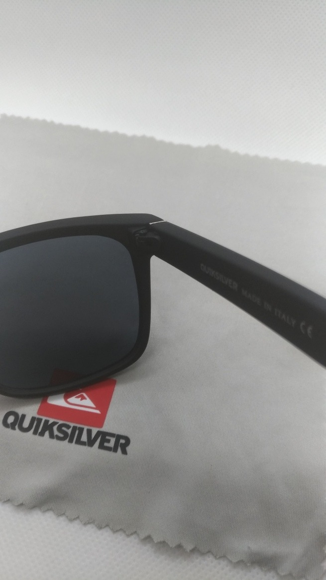 6dc1162f944a6 Óculos D Sol Quiksilver Esportivo Surf Preto Masculino Uv400 - R ...