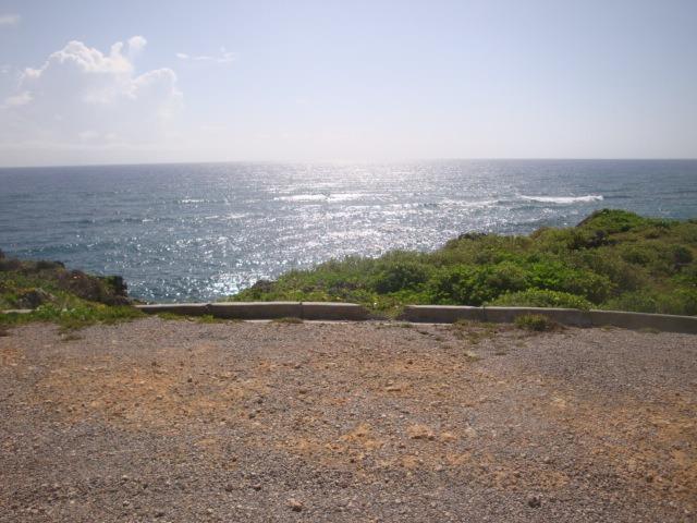 solares en comunidad frente al mar