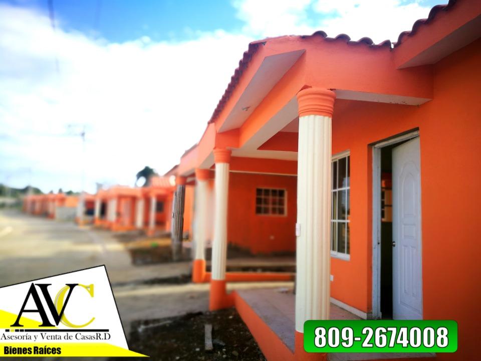 solares residenciales a borde de avenida