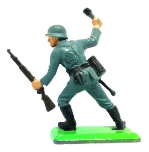 soldado alemán con granada  rifle britains deetail wwii