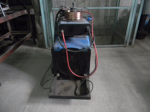 soldadora rojo co2 trifasica de 350 amp con tubo