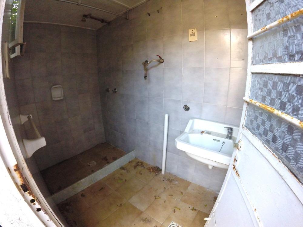 sólido chalet en el centro de lagomar!! 2 dormitorios + serv