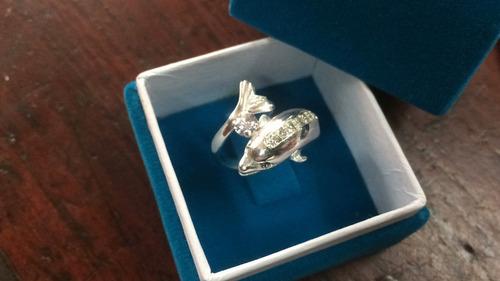 solitario de delfín en plata 925