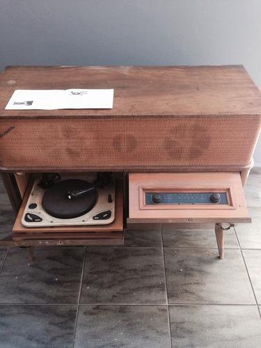 som antigo móvel marca garrard década 1960 toca discos rádio