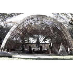 Sombreador C Ripado De Talas De Bambu E Estrutura Metálica