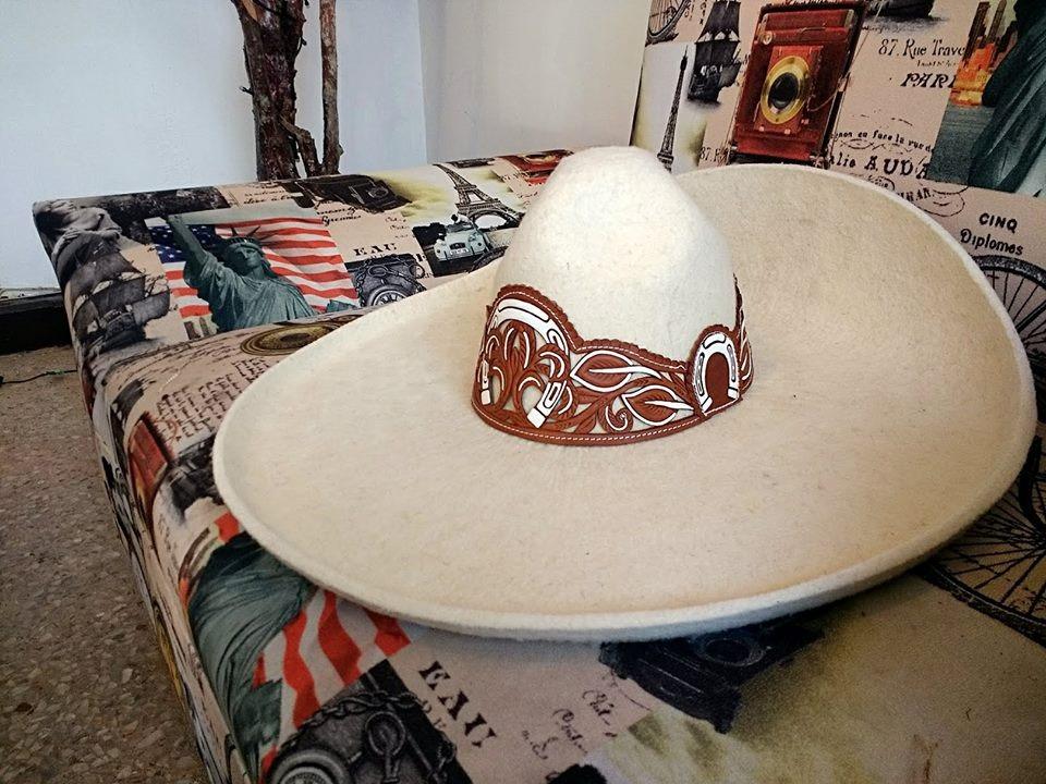 Sombrero Charro Con Toquilla Calada En Lana. -   2 cd216c4cf85