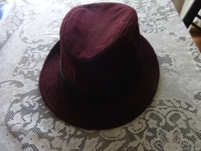 7dae7a4591118 Sombrero De Fieltro Compañía De Sombreros -   700