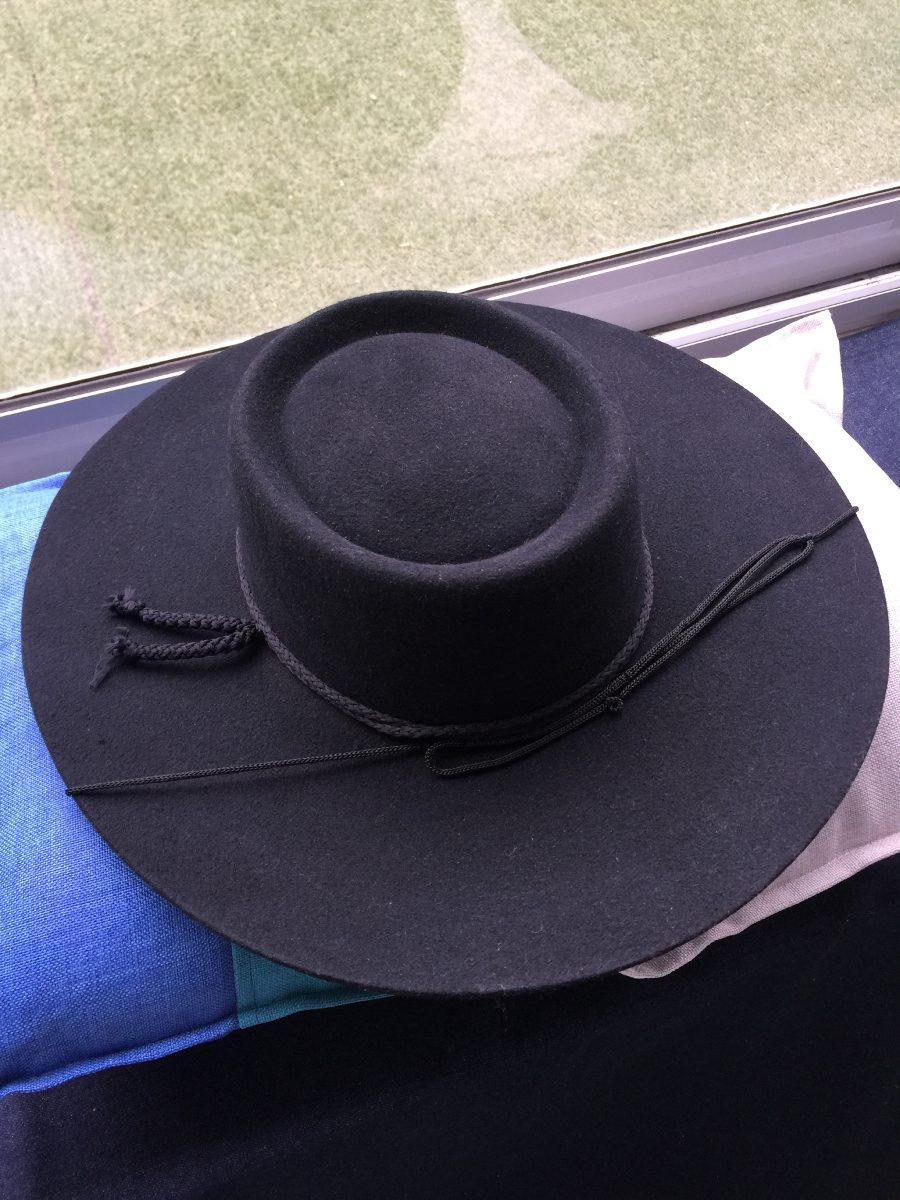 Sombrero De Huaso De Paño Fino En Negro Y Café. -   29.990 en ... 6c36ff98867