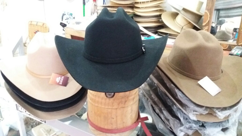 Sombrero Fieltro Cowboy Americano (vaquero) -   53.000 en Mercado Libre db05c78edaf