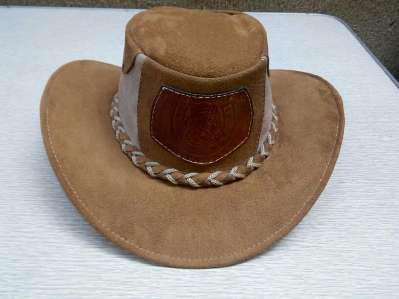 b15757984ca3c sombrero llanero de gamusa cuero. Cargando zoom.