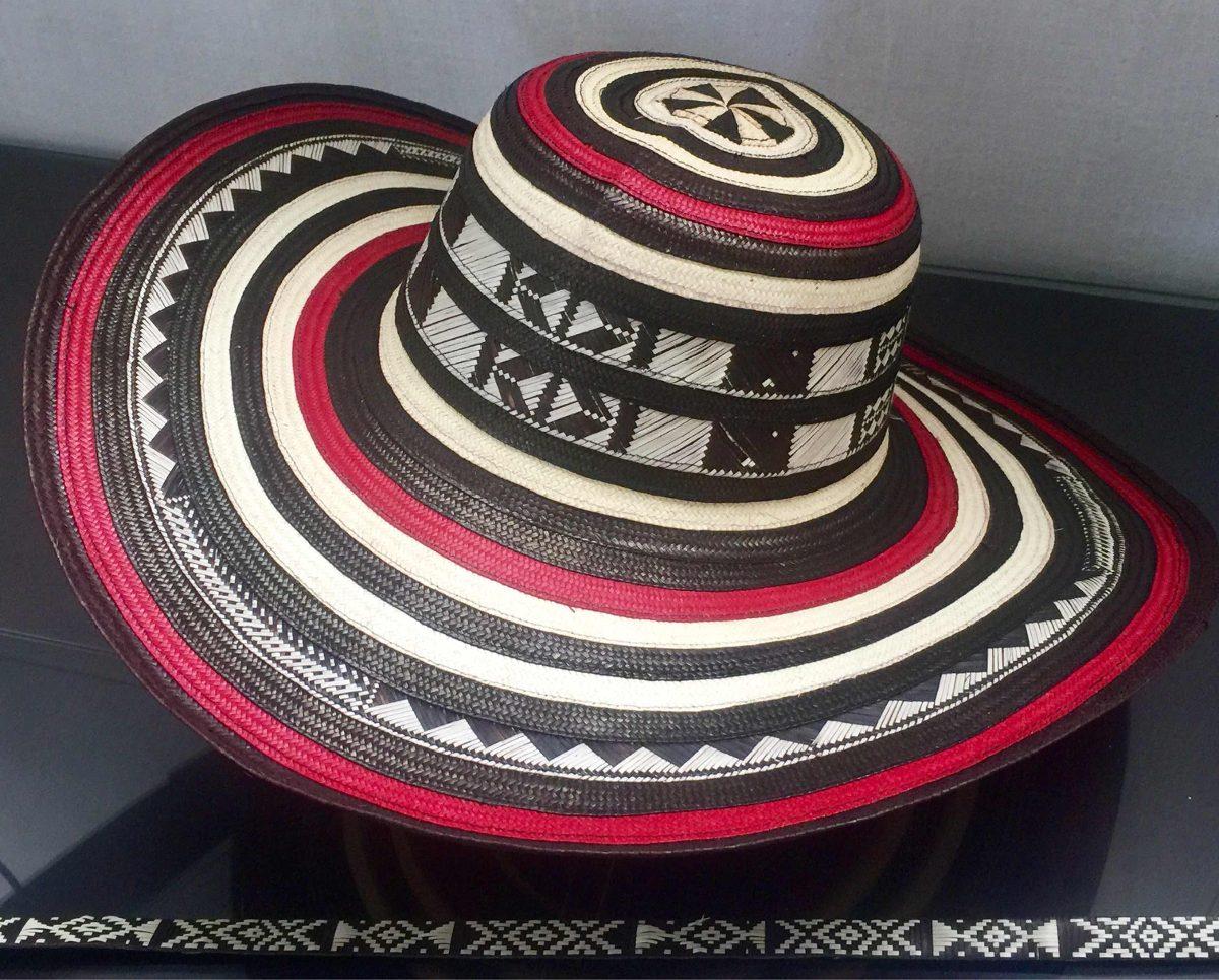 Sombrero vueltiao colombiano vuelta rojo cinto original cargando zoom jpg  1200x965 Sombrero vueltiao colombiano 07335c39cdf