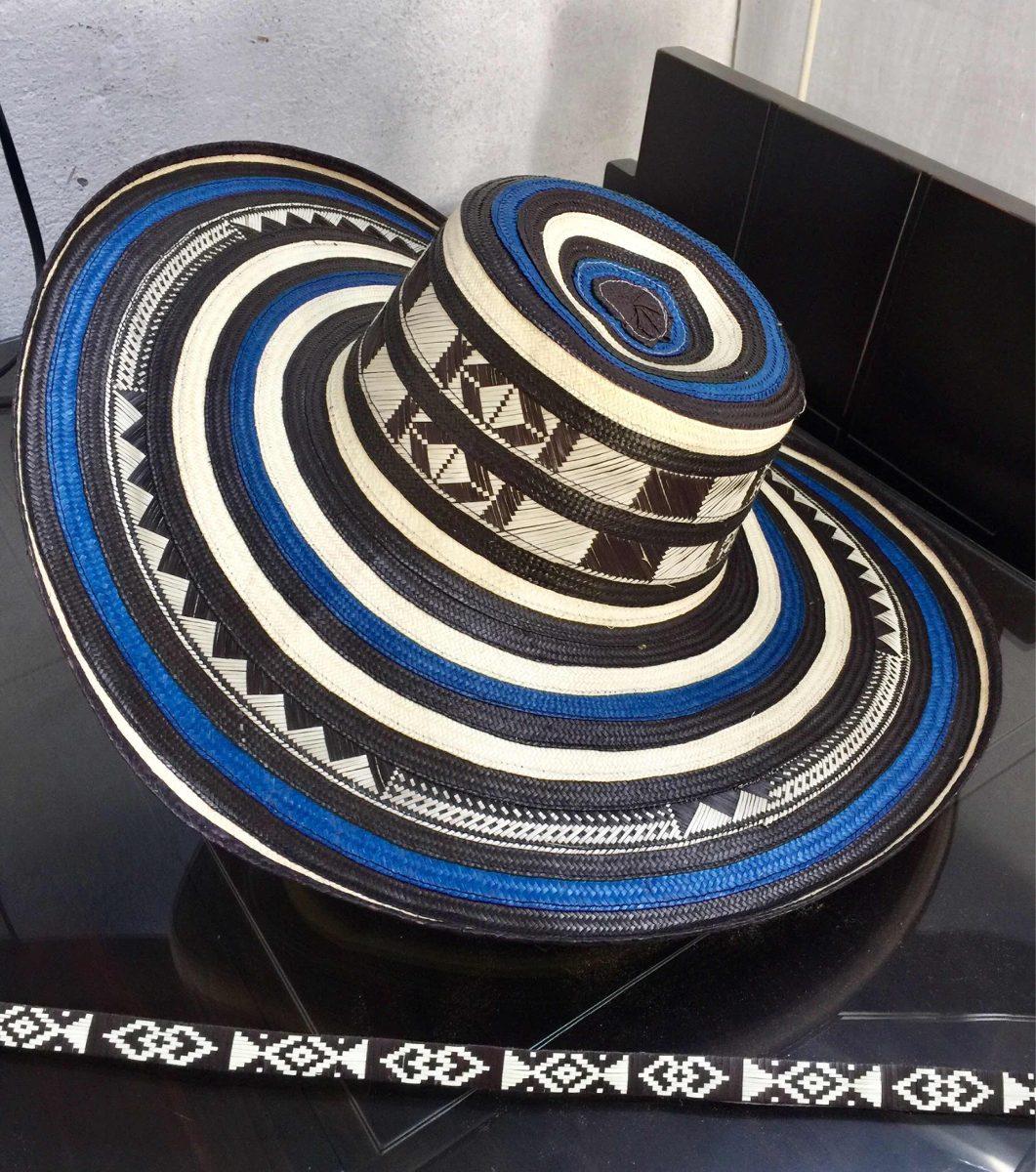Sombrero Vueltiao Colombiano 19 Vueltas Azul Y Cinto -   979.00 en ... 8a76e17a9c1