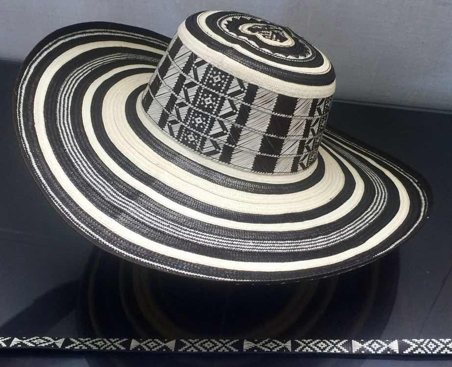 Sombrero Vueltiao Colombiano 19 Vueltas Con Cinto -   979.00 en ... b8f5745cd90