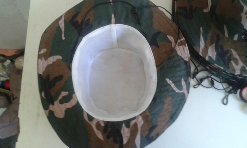 sombreros camuflajeados al mayor