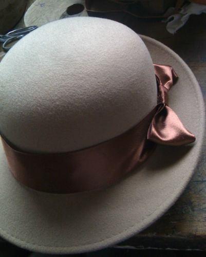 sombreros en varios modelos en lana y paja toquilla