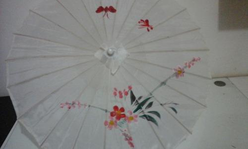 sombrinha japonesa em bambu branca floral