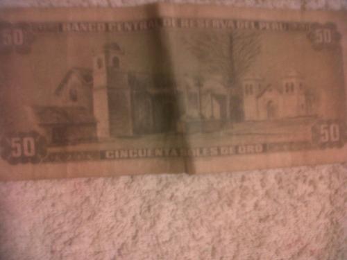 son 2 billetes de chile y peru  antiquisimos !!