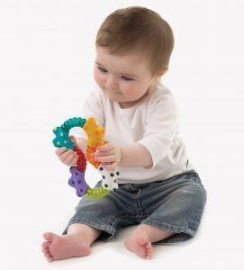 sonajero de bebe click and twist rattle playgro