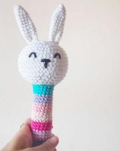 sonajero tejido al crochet amigurumi nacimiento. babyshower.