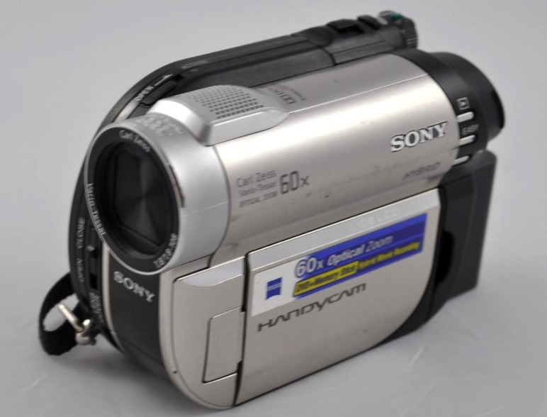 video cameras that record to dvd
