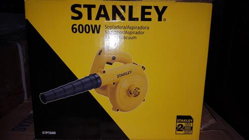 sopladora / aspiradora 600w marca stanley modelo stpt600