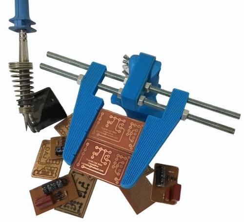 soporte ajustable para soldar circuito impreso pcb 3d.obis
