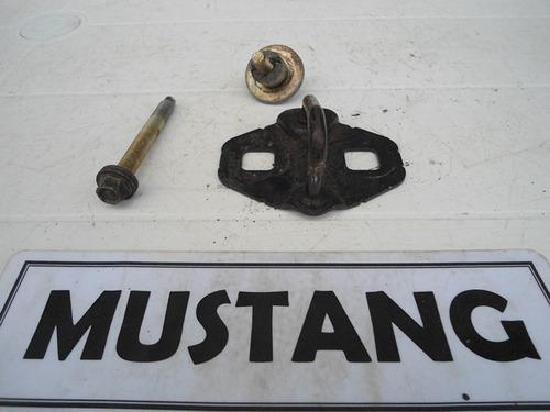 soporte cerradura maleta ford mustang 1999-2004 4.6