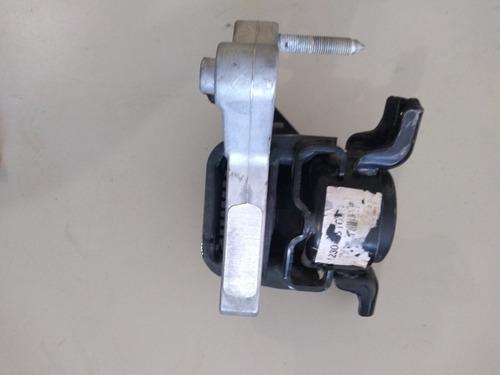 soporte de motor frontal rav4...