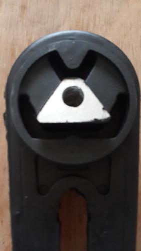soporte de motor inferior ( bieleta) nissan tiida.
