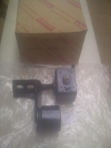 soporte de radiador camry 95